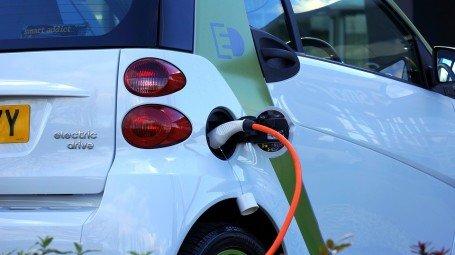 120 هزار ایستگاه شارژ خودروی برقی در چین