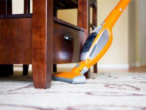 آموزش صحیح جارو کردن فرش