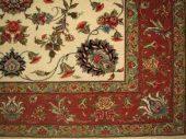 ادبیات در تار وپود فرش؛قالیچه گل قرمز