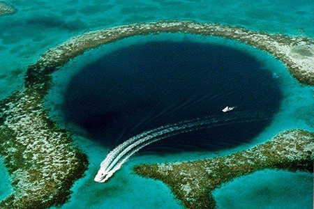 گودال آبی بلیز عجیب ترین پدیده طبیعی در جهان