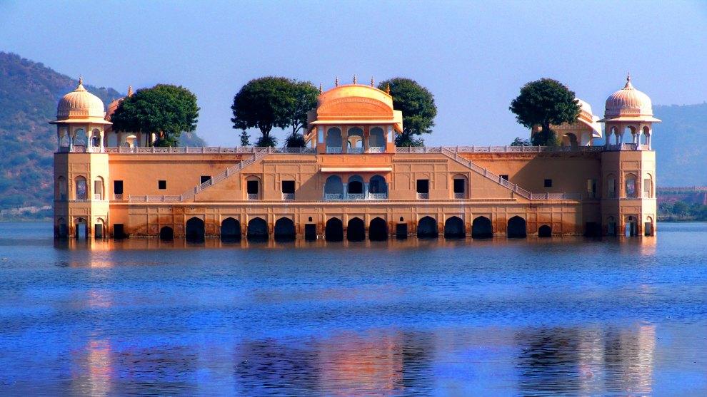 کاخ شناور زیبا و دیدنی جال محل در هند