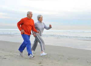 کاهش کمردرد با انجام پیاده روی روزانه