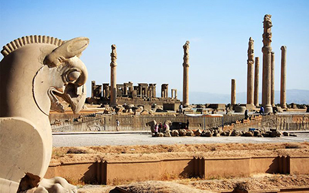 تخت جمشید از مهمترین آثار تاریخی و گردشگری ایران