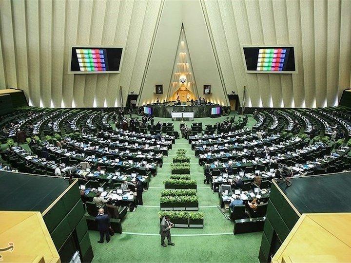 قرائت تذکرات کتبی نمایندگان به مسئولان اجرایی کشور در خانه مجلس