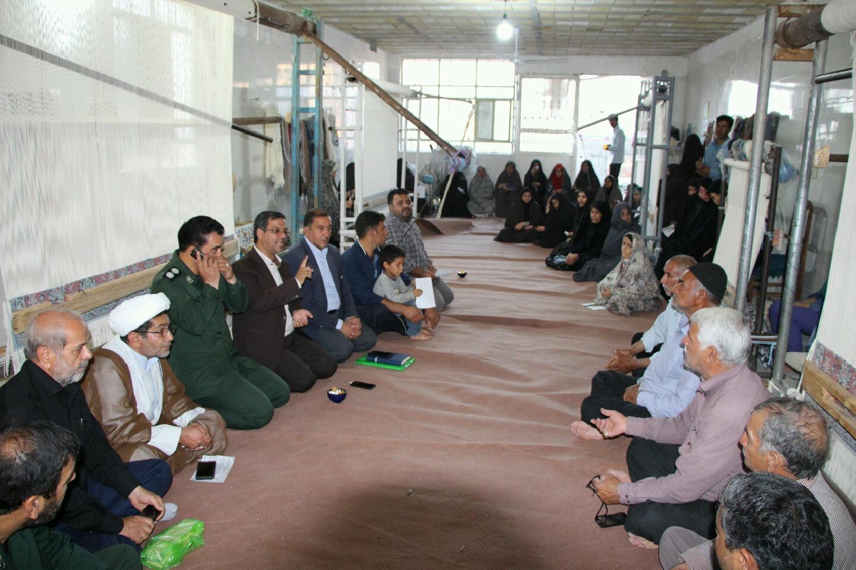 کارگاه قالیبافی ستاد عتبات عالیات در روستای گردکوه مهریز راه اندازی شد