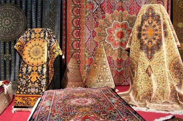 برپایی مسابقه قالی بافی در نمایشگاه فرش همدان