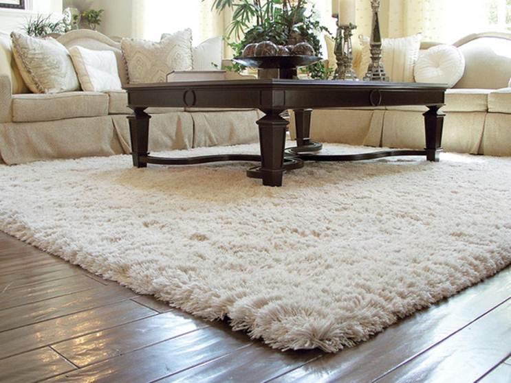 زیبایی قالیچه های خز در دکوراسیون خانه
