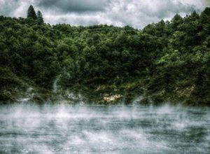 دریاچه ماهی تابه یکی از بزرگترین برکه های داغ جهان