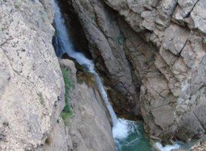 سفری دل انگیز به آبشار آیینه رود