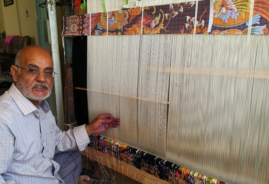 استادمحمد نعمتی تنها بازمانده نسل استادان قالی بافی در تربت حیدریه