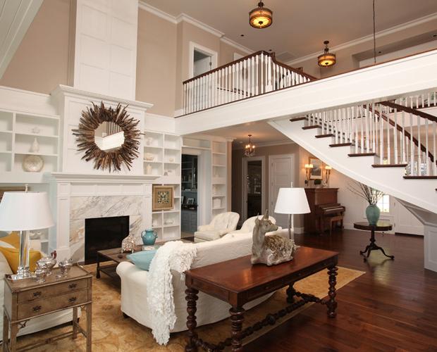 بدون استخدام طراح داخلی خانه را از فضایی كسلكننده تبدیل به فضایی زیبا کنید