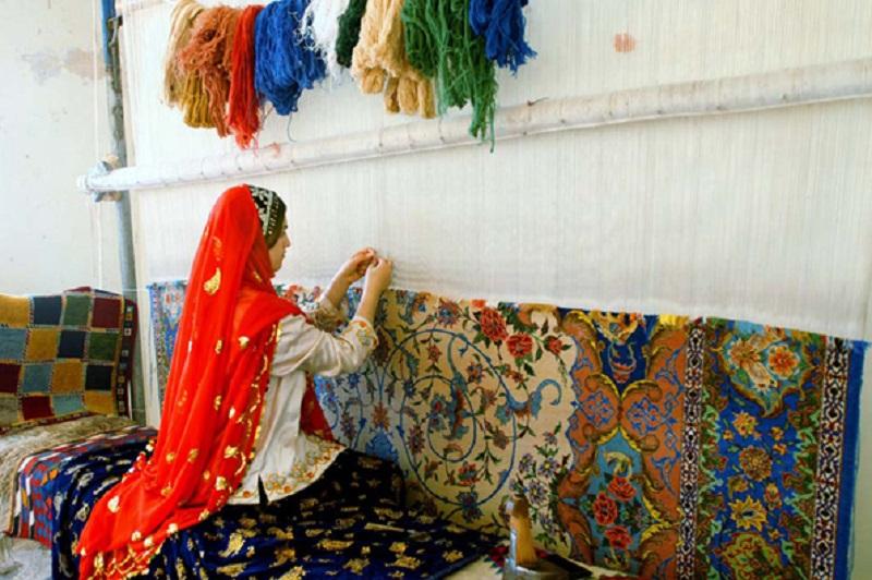 دیدار بازرگانان ایرانی با تولید کنندگان فرش دستبافت همدان